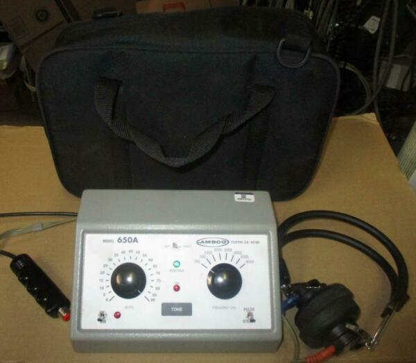 AMBCO Model 650A Audiometer Hearing Tester with carry bag Excellent Condition