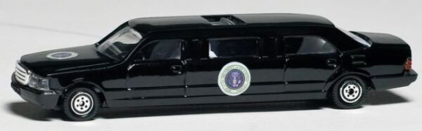 Daron Presidential Limousine diecast Car model toy 1 64 scale New in Box