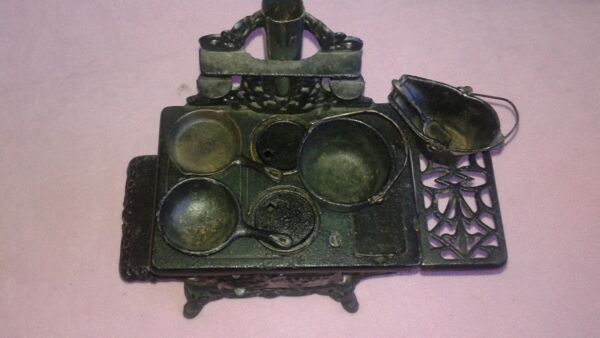 Vintage Cast Iron American miniature Wood Stove  with accessories