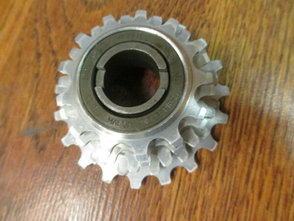 VINTAGE SUNTOUR WINNER 5 SPEED ENGLISH THREADED FREE WHEEL 13-19 NOS TAKE OFF