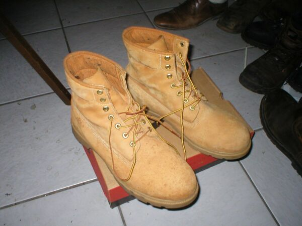 TIMBERLAND WORK BOOTS 11.5M USED EXCELLENT CONDITION $55.00