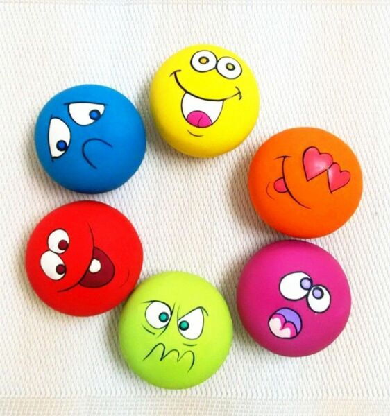 6PCS Latex Squeaky Ball With Face Fetch Toy Bright for Pet Puppy Play Unisex