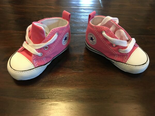 CONVERSE CHUCK TAYLOR PINK BABY SHOES SIZE 2 - BRAND NEW