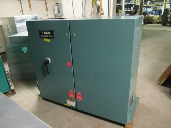 YORK 790 HP LIQUID COOLED SOLID STATE STARTER SYSTEM 460 VAC 880 AMP OPTISPEED