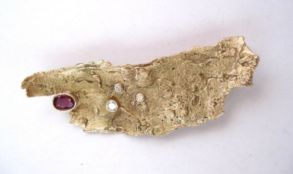 BIRCH BARK PIN  BROOCH WITH RUBY AND DIAMONDS HANDCRAFTED 14K 9.75 GRAMS
