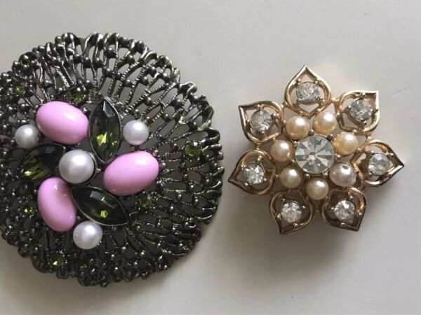 Two VINTAGE SARAH COVENTRY Brooch~ LARGE ROUND BROOCH Faux Pearls Snowflakes Lot