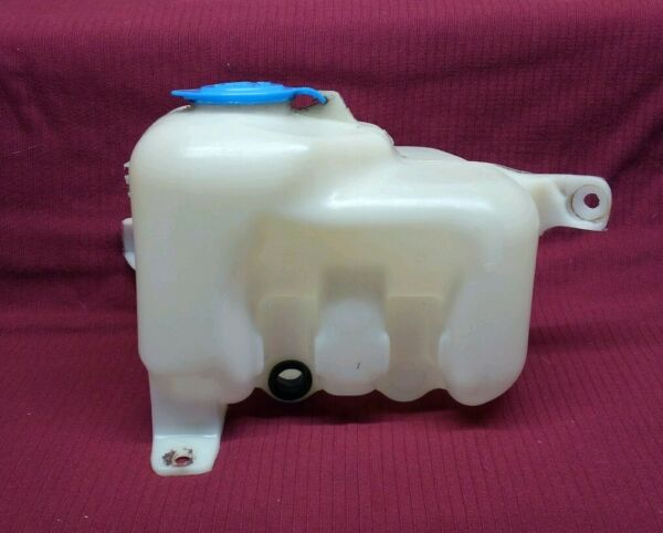 OEM 2 Door Windshield Washer Fluid Reservoir 99-03 Chevy Tracker Suzuki Vitara