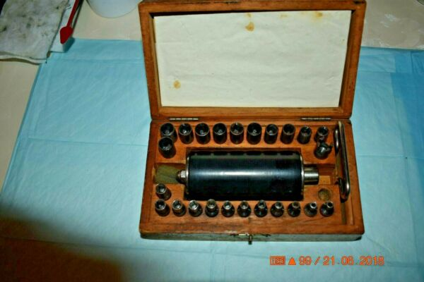 Bergeon 2301 Vintage Clock mainspring winder let down key tool with wooden box