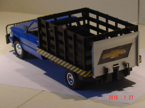 Blue Chevy Parts Truck 1 25 $18.00