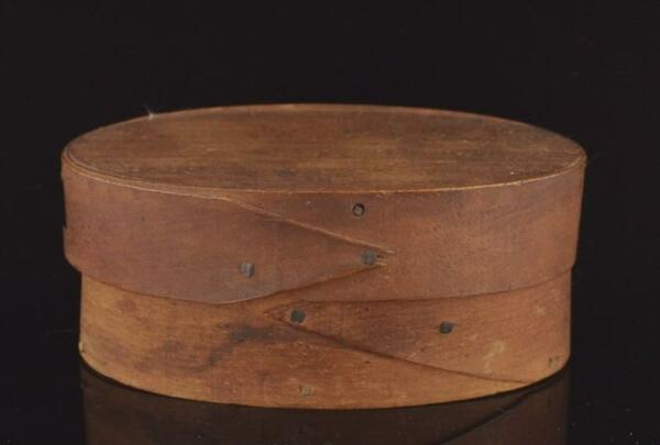 ANTIQUE SINGLE FINGER OVAL COVERED PANTRY BOX 19TH C BENTWOOD COVERED PANTRY BOX