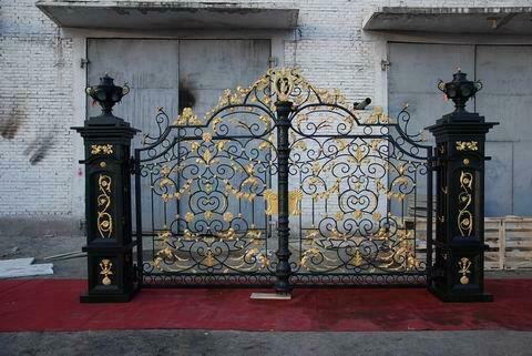 VICTORIAN STYLE CAST AND HAND WROUGHT IRON DRIVEWAY GATES - WR78