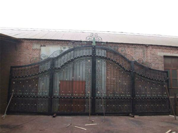 MONUMENTAL HAND MADE WROUGHT IRON 22' WIDE ESTATE DRIVEWAY GATES - DG5