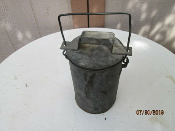 VINTAGE - AT & SF RY Lunch pail with Lid - Nice patina - **Heavy Duty**
