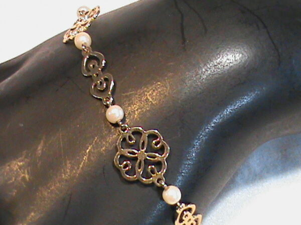 16 8 3-4 Gold tone with Faux Pearls Girls Bracelet Avon
