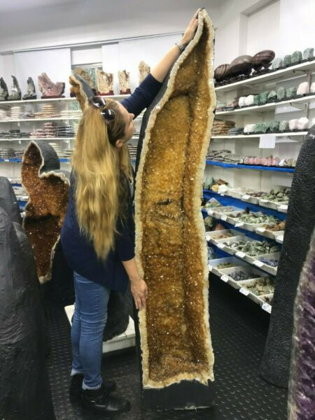 OUTSTANDING PIECE  Tallest CITRINE CHURCH MINERAL 272Kgs = 600Lbs OFFERS WELCOME