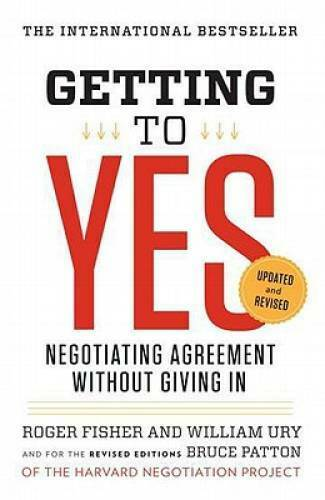 Getting to Yes: Negotiating Agreement Without Giving In Paperback VERY GOOD