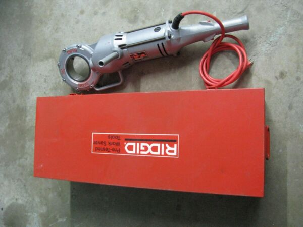 RIDGID 700-T2 POWER DRIVE PIPE THREADING TOOL