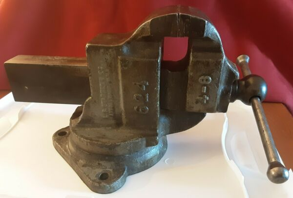 Vintage Starrett Athol No. 624 machinist swivel anvil bench vise blacksmith tool