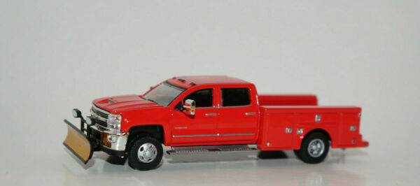 2018 chevy silverado 3500 hd dually truck red snow plow  164 diecast GREENLIGHT