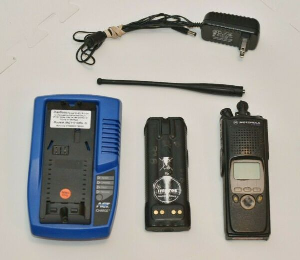Motorola XTS5000 700800 MHz Digital Police Radio H18UCF9PW6AN + Battery Charger
