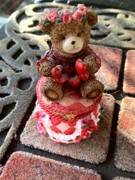 Vintage RED HEARTS RED ROSES RED SWEATER Teddy Bear CUTE Pill Trinket Box ❤️sj8j