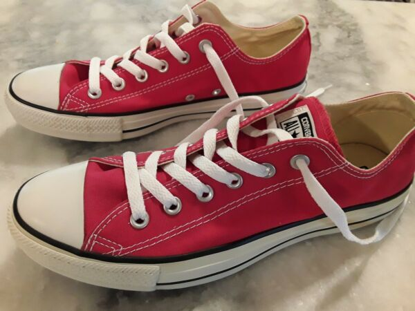 Converse Chuck Taylor Men's 8 ( Womens 10 )  *NEW*  Red with box