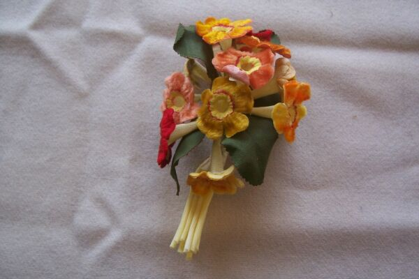 Vtg Millinery Hat  Flowers &  Leaves Spray  Dolls Crafts Made in East Germany
