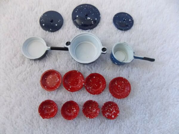 Miniature Dollhouse Camping Splaterware Blue Pots amp; Red Dishes $4.99