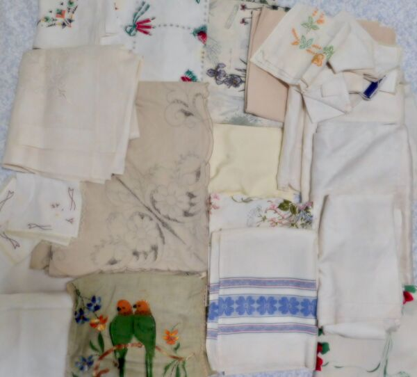 Assorted Lot of 31 Cutter Linen Tablecloths amp; Napkins Cutwork Printed White 18#