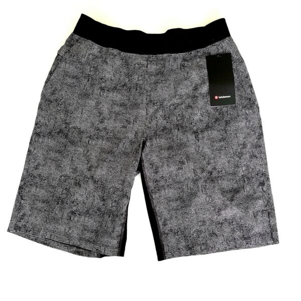 Lululemon Mens THE Short Linerless 11quot; Size L Cubed Ice Grey Black CUGB NWT