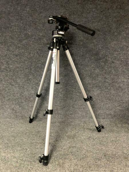 Manfrotto Bogen 3001 Tripod with 3126 Pan Tilt Fluid Head