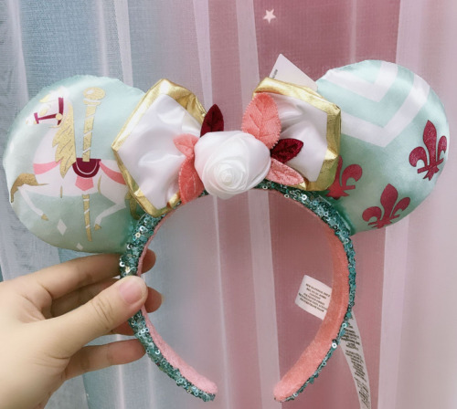 Minnie Mouse The Main Attraction Ears Carousel July King Arthur Ear Headband