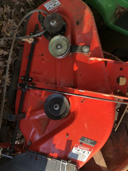38quot; simplicity Regent mower deck Local Pick Up Only In CT