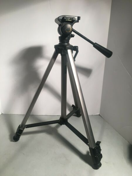 Tripod Quantum International ST 88 Fluid Tripod 60quot; missing release plate *1369*