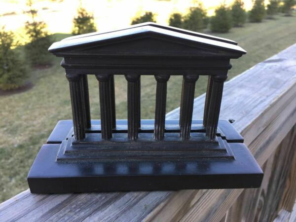 VINTAGE BRONZE PAIR BOOKEND WITH OLD FEDERAL HALL BUILDING MODEL