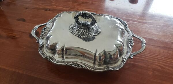 Beautiful CSC Silver Plate Chafing DIshes 2 in VG to Exc condition