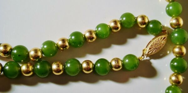 VINTAGE 14K GREEN JADE w GOLD BEADS NECKLACE 24quot; INCHES JEWELRY