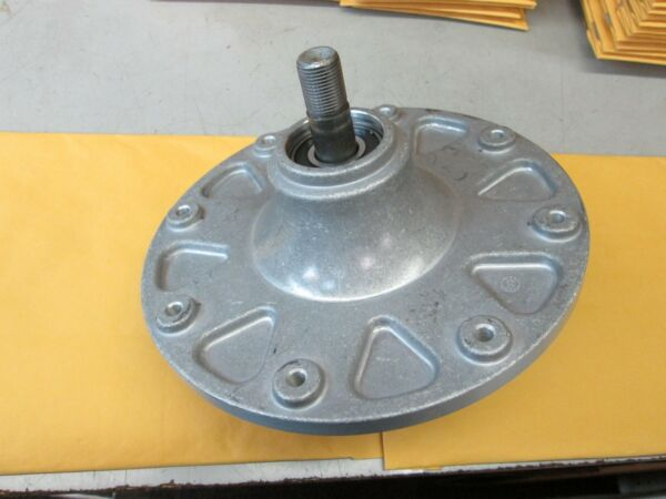 OEM TORO DECK SPINDLE amp; SHAFT ASSEMBLY PART# 119 8825 amp; 119 0368 FITS SS3200