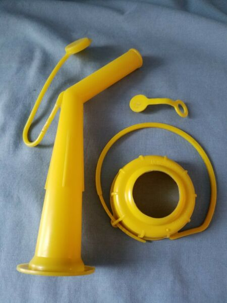 Chilton Craftsman Gas Spout with Screen and Cap Pre Ban