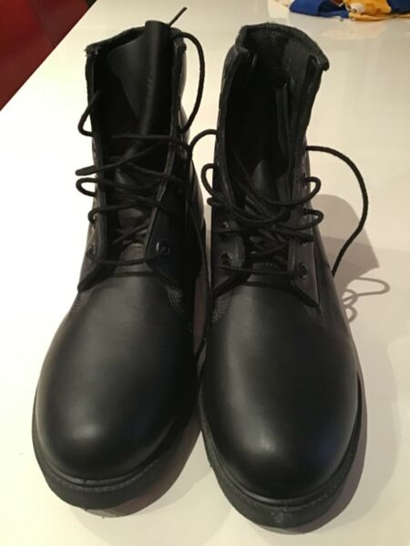 TIMBERLAND MEN'S NWOT BLACK LEATHER BOOTS 9.5 $60.00