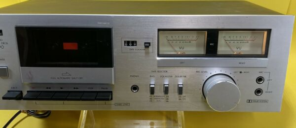Sansui D 90 Tape Deck For Parts Powers On.
