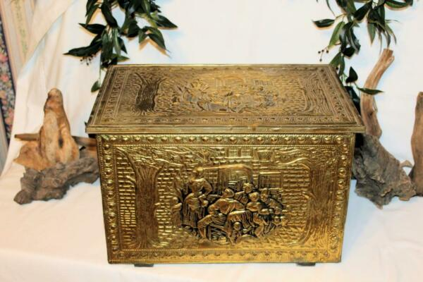 #2 BRASS VICTORIAN WOOD LARGE EMBOSSED OLD FIREPLACE COAL SCUTTLE HOD BOX
