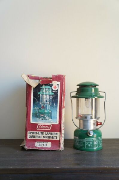 Vintage Coleman Lantern Sport Lite no 321B with Box 1982