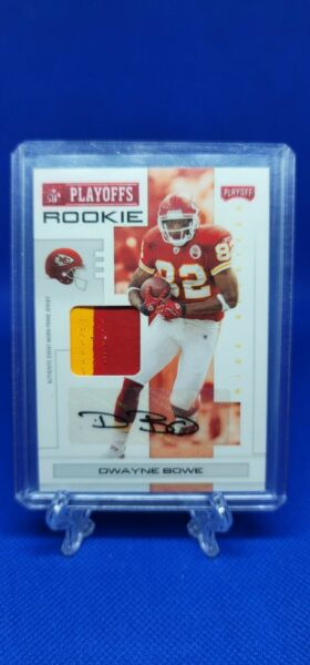 2007 Playoff NFL Playoffs Red Material Auto Dwayne Bowe Rookie Patch 42 50 $15.00