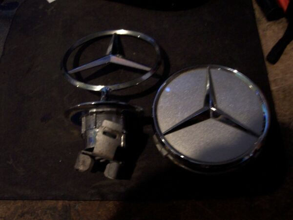 MERCEDES BENZ HUBCAPS HORN CENTER ? NEW OLD STOCK RATROD JEWELRY BLING