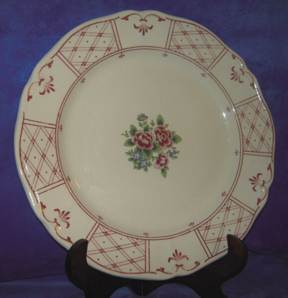 Tablemates Homestead Collection Burgundy Floral Pattern 12quot; Plate