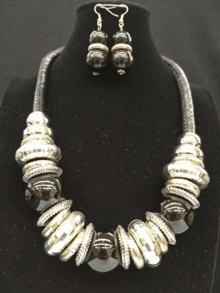Chunky Silver Metal Large Black Color Bead Faux Leather Pendant Necklace Set $18.99
