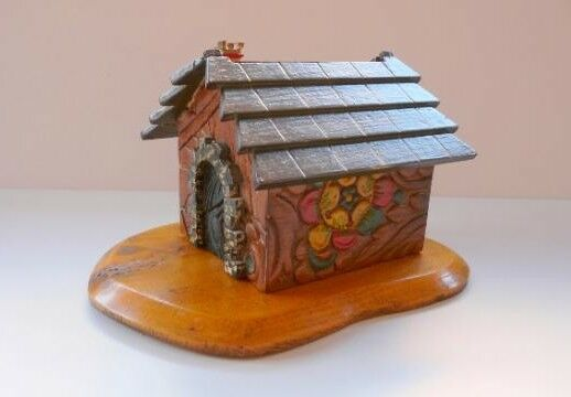 CIGAR BOX ANTIQUE HAND CARVED AND PAINTED BLACK FOREST TOBACCO CIGARETTE WOODEN