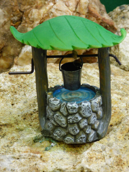 Fairy Garden Miniature Doll House Leaf Stone Look Wishing Well With Pail NEW