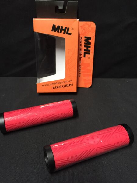 Mhl Red design poly Hand Bike Grips Bmx Beach fits: gt Schwinn 3G dyno roadster $30.80